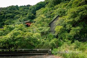 螺旋階段が美しいホテル廃墟を探索。この美しい退廃美を収めた画像をどうぞ見ていってください